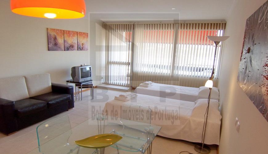 vilamoura apartment income