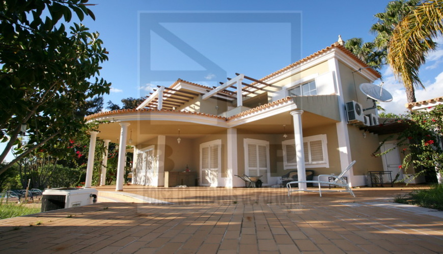 repossess house algarve