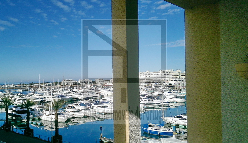 vilamoura distress apartment