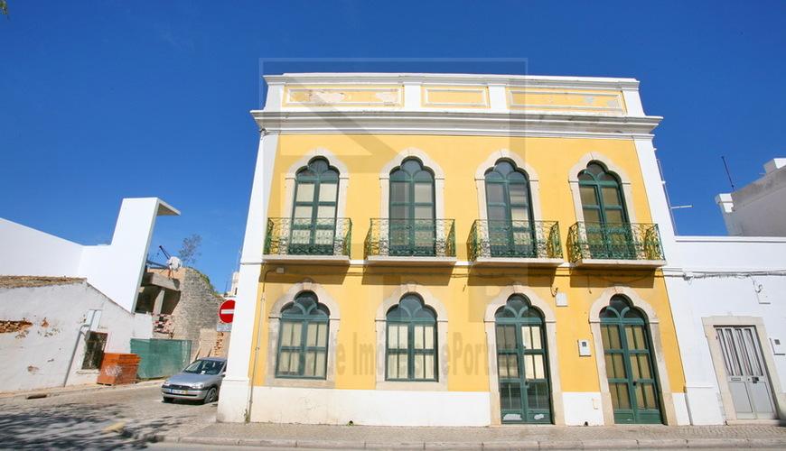 building  Loule Algarve