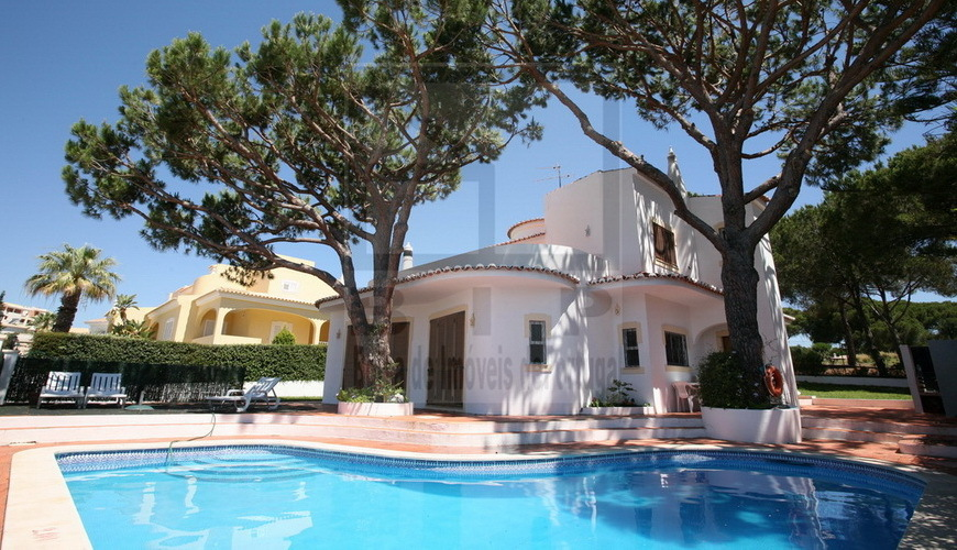 Algarve house sale