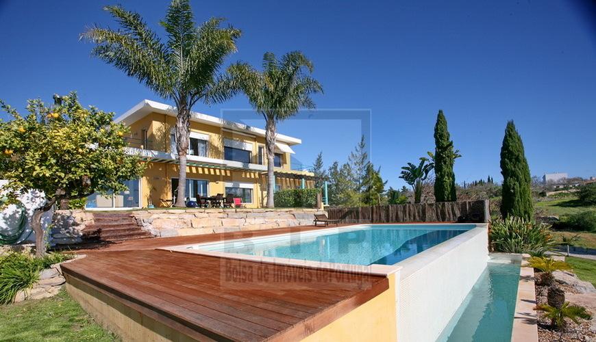 buy villa vilamoura algarve