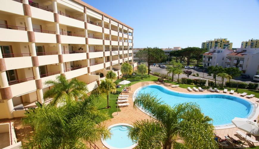 sale house vilamoura swimming pool Algarve