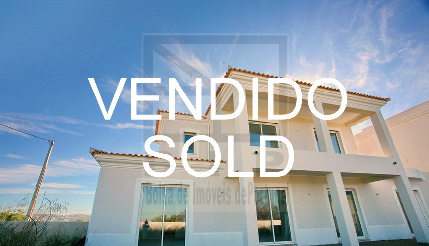 buy bank repossessed house investment Algarve