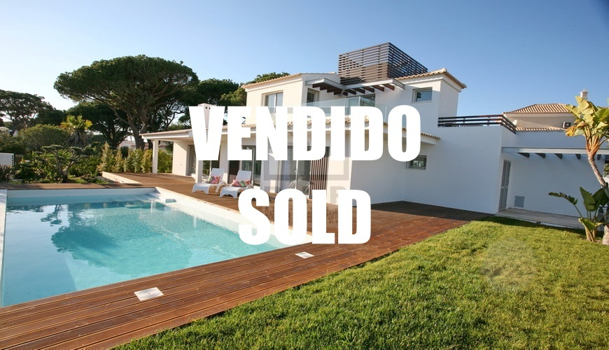 buy modern villa center Vilamoura Algarve