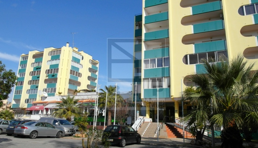buy apartment sea view Vilamoura