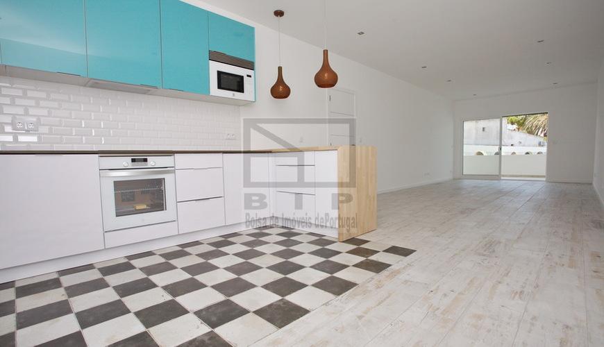 apartment with pool quarteira