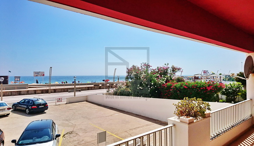 apartment with sea view in Quarteira