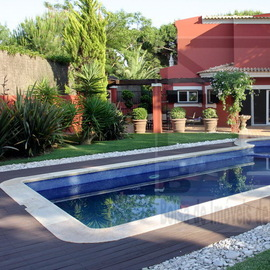 Luxurious villa in Vilamoura Situated at the end of a secluded cul-de-sac,