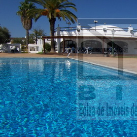 Restaurant for sale located in Vilamoura Algarve with largeprivate garden and swimming pool