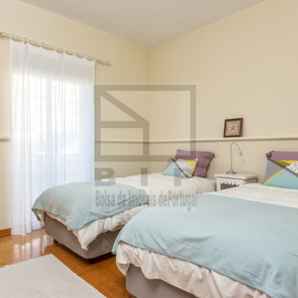 thownhouse Faro with 4 bedrooms