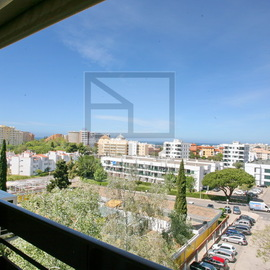 Vilamoura Apartment for sale 65.000 near the marina