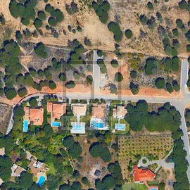 Plot for sale between Vale do Lobo and Quinta do Lago.