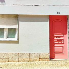 This friendly house is situated in the historic centre of Loulé just a few metres away from the municipal marke